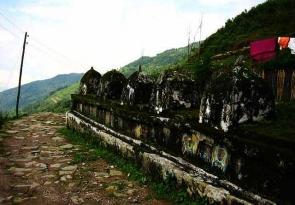 SNC11590n_Stupas