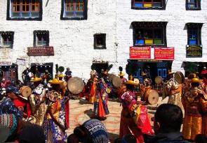 Mustang-Tiji-Festival-2015